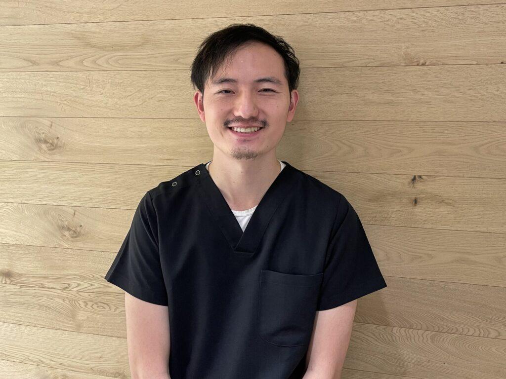 歯科医師 元川 賢一郎